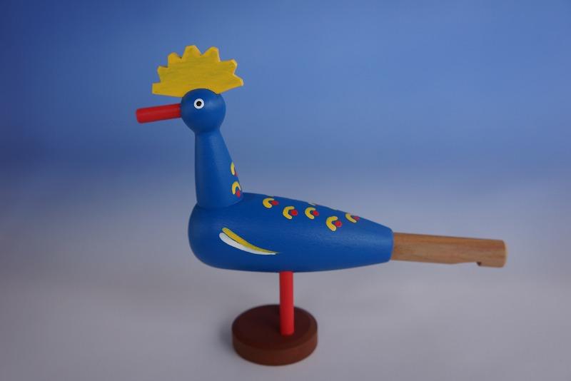 画像1: トリ 笛 青 チェコ ウッドクラフト 手作り おもちゃ プレゼント (1)